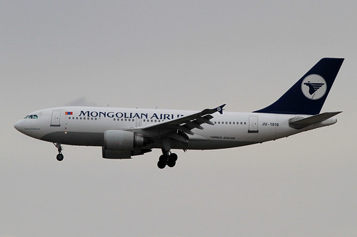 Mongolian Airlines A310-300(JU-1010)
