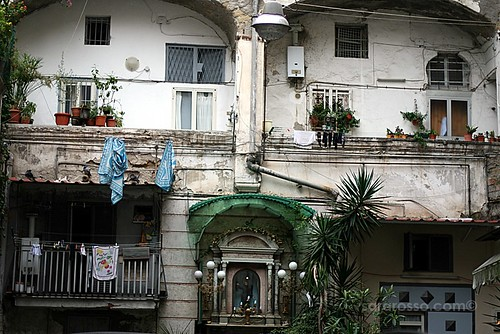 Any courtyard, Spaccanapoli, Naples, Italy