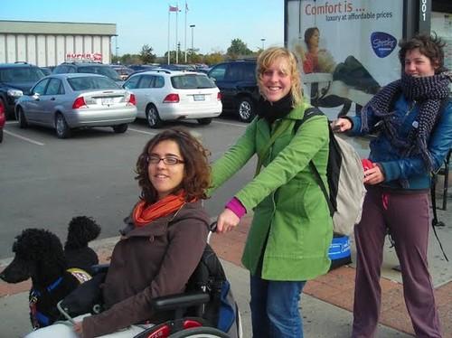 Nele, Stefanie, Leen & Yankee na een hobbelige wandeling :-)