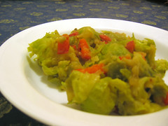 Creamy brussel sprouts with peppers
