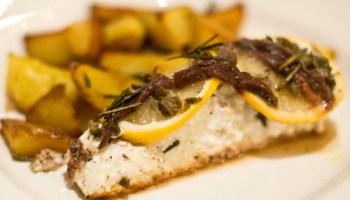 Siciliaanse heilbot met citroen, kappertjes en ansjovis
