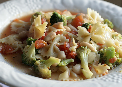 Farfalle with Broccoli and Cannellini Beans