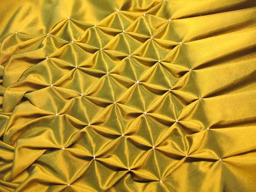 manipulation fabric - honeycomb smock