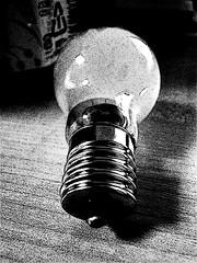 A light bulb 電球