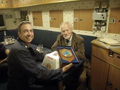 capitano Alberto Tarabotto con il consolea bordo del sottomarino