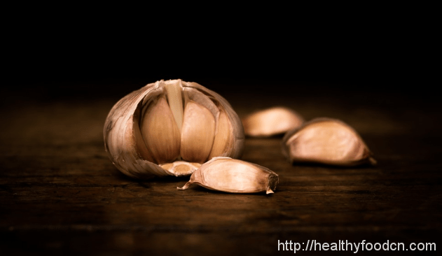 Tips  Five kinds of people the garlic may be wary of eating 34301796226_737f2e5fee_o