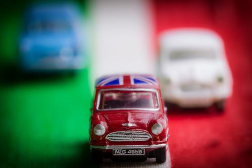 macromondays crime ngauge minis toys cars redwhiteblue film italy italian dof depthoffield tabletopphotography tiny micro small greenwhitered