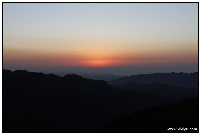 [約訪]雲洞山莊.晚霞夕陽~雲海與盛開之櫻花林 @VIVIYU小世界
