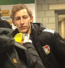 Stefan Kießling wird zu seinem 100. Bundesliga-Tor bei der Partie zwischen Borussia Mönchengladbach und Bayer Leverkusen gefragt