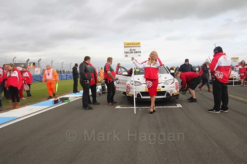 Árón Taylor-Smith on the grid for race two at the British Touring Car Championship 2017 at Donington Park