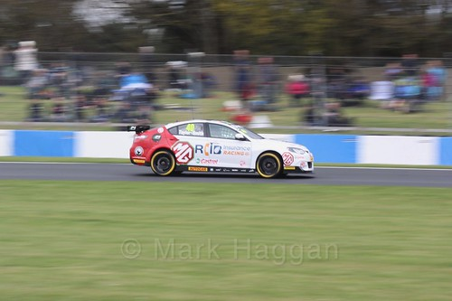 Árón Taylor-Smith in race one at the British Touring Car Championship 2017 at Donington Park
