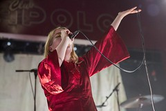 """Austra - Sala Apolo, abril 2017 - 3 - M63C1816 • <a style=""""font-size:0.8em;"""" href=""""http://www.flickr.com/photos/10290099@N07/33992335165/"""" target=""""_blank"""">View on Flickr</a>"""