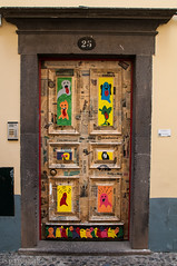 "doors of Funchal • <a style=""font-size:0.8em;"" href=""http://www.flickr.com/photos/58574596@N06/9407038903/"" target=""_blank"">View on Flickr</a>"