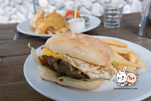 Burger | Mackenzies Cafe Bar Grill