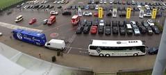 Reisegesellschaft Gladbach und Schalke - die Busse der beiden Bundesligisten vor dem Borussia-Park