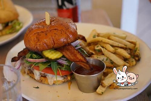 Beach Burger - aged vermont cheddar, nueske's bacon, arugula, vine ripe tomato, chipotle, brioche bun, kennebec fries