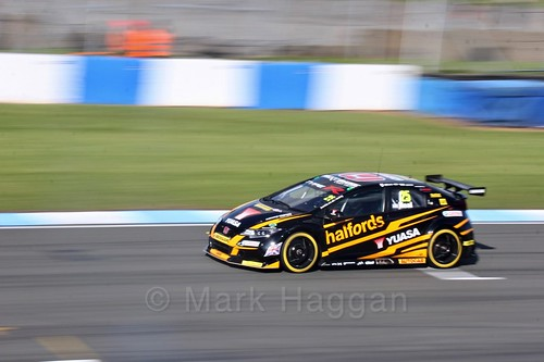 Matt Neal during qualifying during the BTCC Weekend at Donington Park 2017: Saturday, 15th April