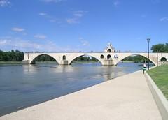 Avignone, dove finisce il ponte?