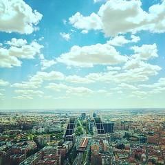 Nubes pintadas en el cielo de Madrid