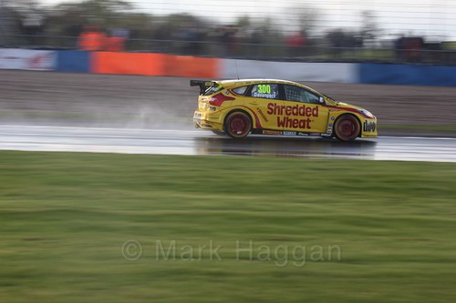 Luke Davenport in race three at the British Touring Car Championship 2017 at Donington Park