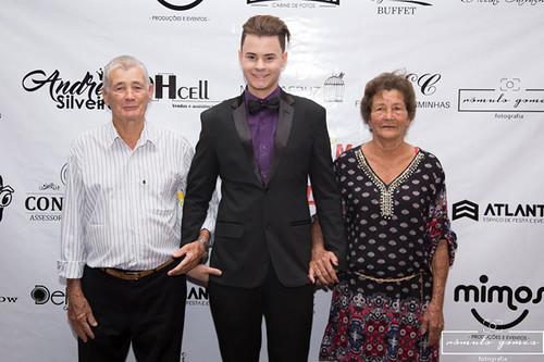 Com os avós