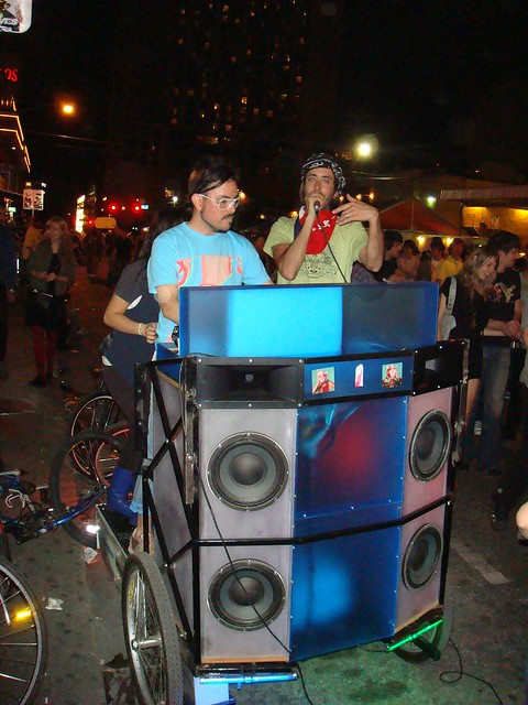 Mobile DJ Booth @ Plush, SXSW08, 3/14/08 - This pulled up ...