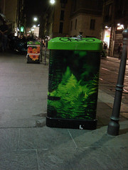 Trashcans, Milano style