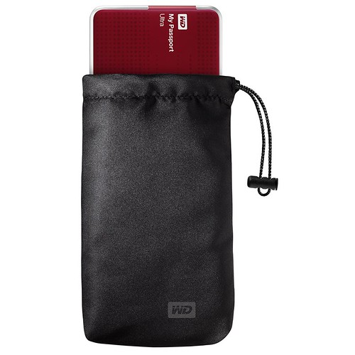 WD MyPassport Ultra Pouch With Red Drive_LowRes