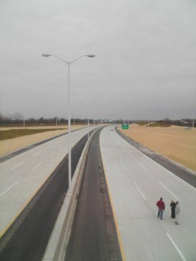 Photo of the then-recently opened I-355, 127th St overpass