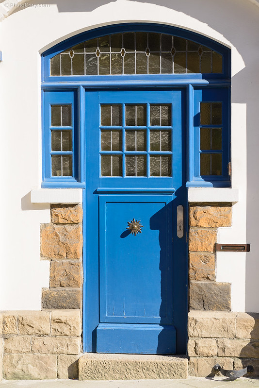 blue door in Ixelles