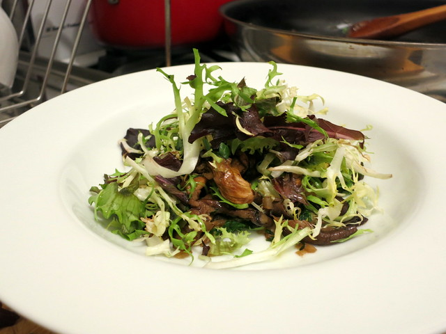 Mushroom and mesclun salad, with Meyer lemon vinaigrette