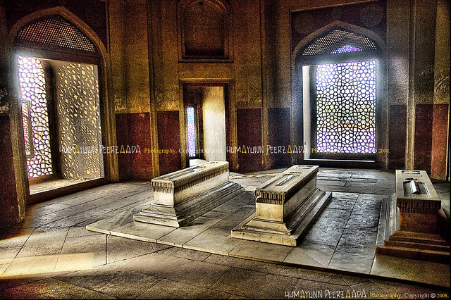 Here in these 3 tombs lie Hamida Begum (Emperor Humayun's Wife and Emperor Akbar's mother) Dara Shikoh (Emperor Shah Jahan's son) & (Wish anyone can tell me who lies in the 3rd tomb?) - Emperor Humayun's Tomb, Delhi - India