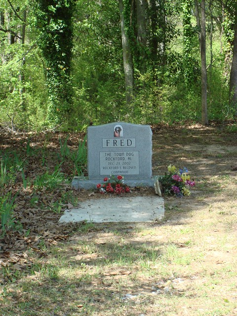 Monument for Fred the Town Dog, Rockford Alabama