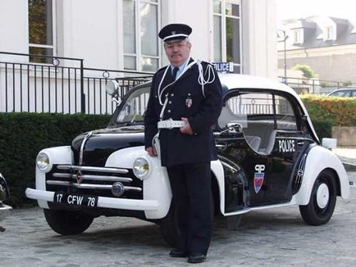 police 4cv pie.2jpg by neo_igs_police