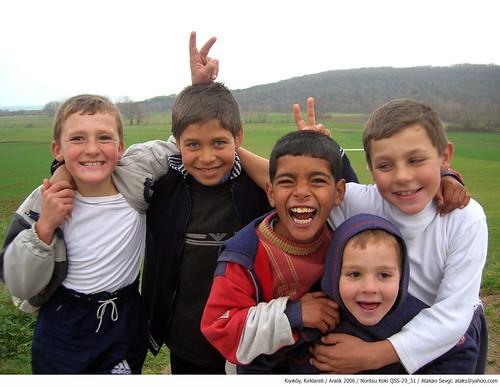029 - happy children of kıyıköy