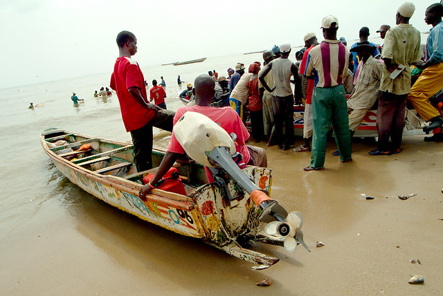 Pescadores en Mbor, Senegal
