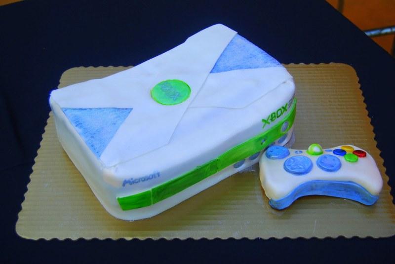 Surprise Grooms Cake