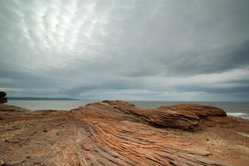 skies over Hilbre by dakegra