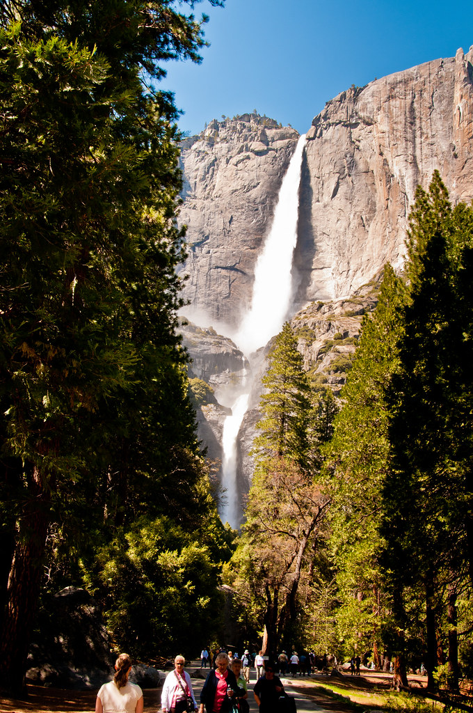 Yosemite Waterfall - the upper and lower parts