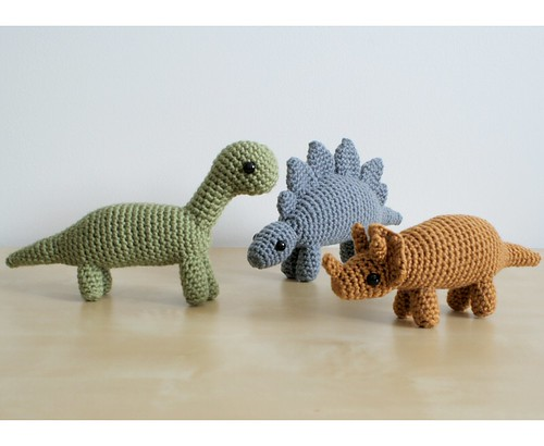 crocheted dinosaurs