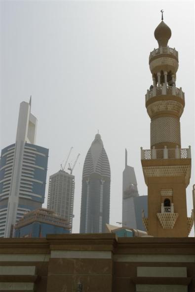 Qué ver en Dubai: Mezquita Sheikh Zayed junto al Distrito Financiero Qué ver en Dubai - 3840484482 d1ec7240cb o - Qué ver en Dubai, el oasis inacabado