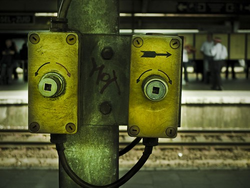 Robots Don't Take Trains... (Bruxelles-Midi) - Photo : Gilderic