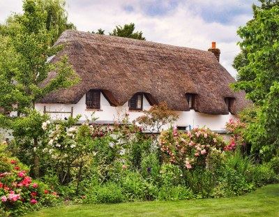 Thatched cottage in Monxton, Hampshire
