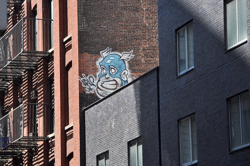 Cartoon head graffiti