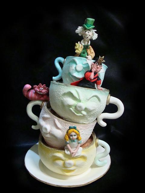 Bolo Esculpido Alice no país das Maravilhas