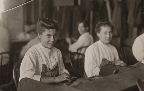 Cigar Factory Girls, Tampa, Florida, Jan.