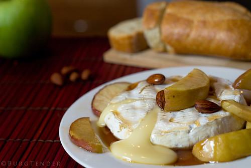 Brie fondant aux pommes et sirop d'érable :)