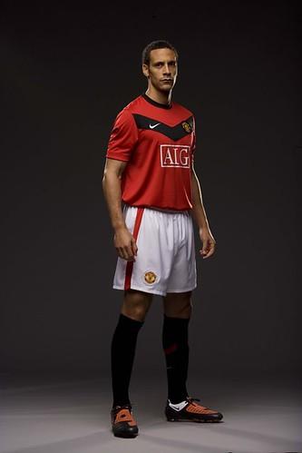 Ferdinand in 2009/10 New Home Kit