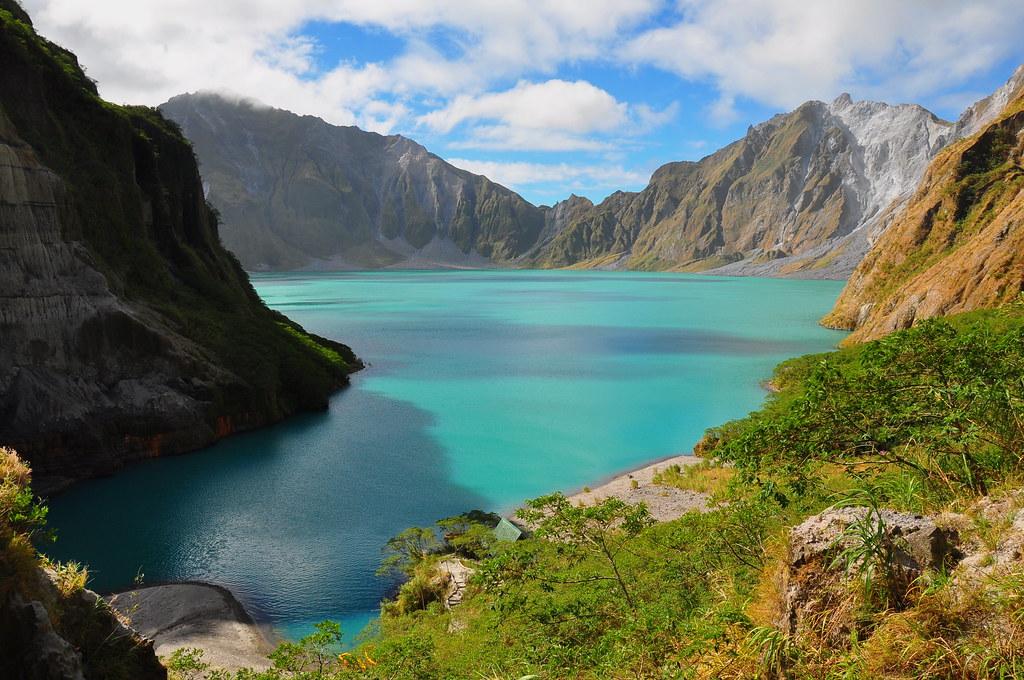 Mt. Pinabuto Crater Lake