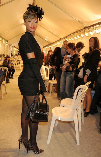 Rihanna At Dior October 2 2009 Rihanna Attending The